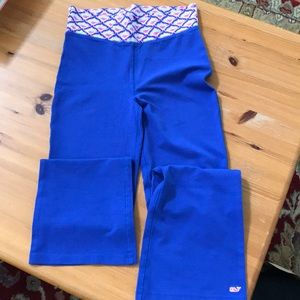 Vineyard Vines bootcut yoga pants sz M NWT